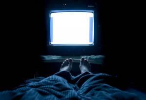 Luz interfere na produção de melatonina, hormônio que induz o sono. Foto: NIEHS