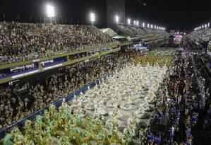Desfile que levou a Imperatriz Leopoldinense a ser rebaixada do Grupo Especial para a Série A do carnaval: mesa virou no início de junho e escola quer ficar na elite Foto: Luís Alvarenga / Agência O Globo