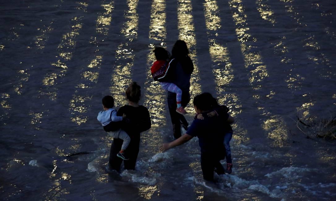 immigranti centroamericani che attraversano il fiume Rio Grande per entrare negli Stati Uniti;  La strada che attraversa il Messico è piena di pericoli Foto: Jose Luis Gonzalez / REUTERS