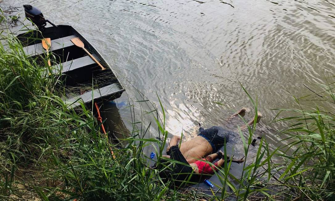 Foto de pai e filha mortos é quadro do mundo de hoje