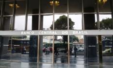 Fachada da sede do Banco Central do Brasil no Rio Foto: Marcos Ramos / Agência O Globo