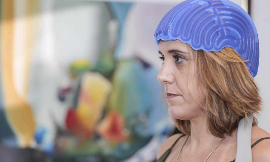 Com o uso da touca inglesa, Márcia conseguiu manter 100% de seu cabelo Foto: Bruno Kaiuca / Agência O Globo