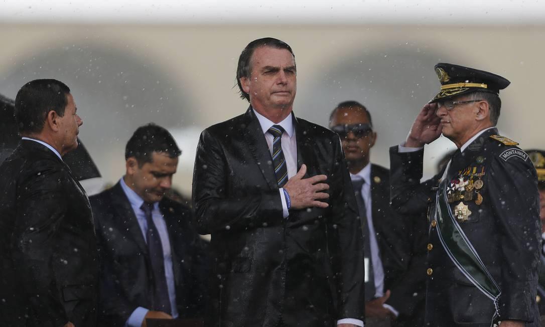 Presidente Jair Bolsonaro participa da cerimônia comemorativa do Dia do Exército Foto: Jorge William / Agência O Globo