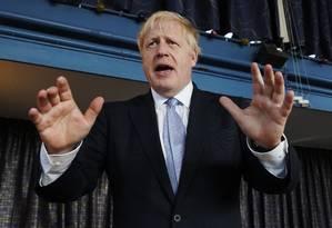 O candidato conservador fala em evento de campanha em Wombourne, na região central da Inglaterra, em 28 de junho de 2019 Foto: CHRISTOPHER FURLONG / AFP