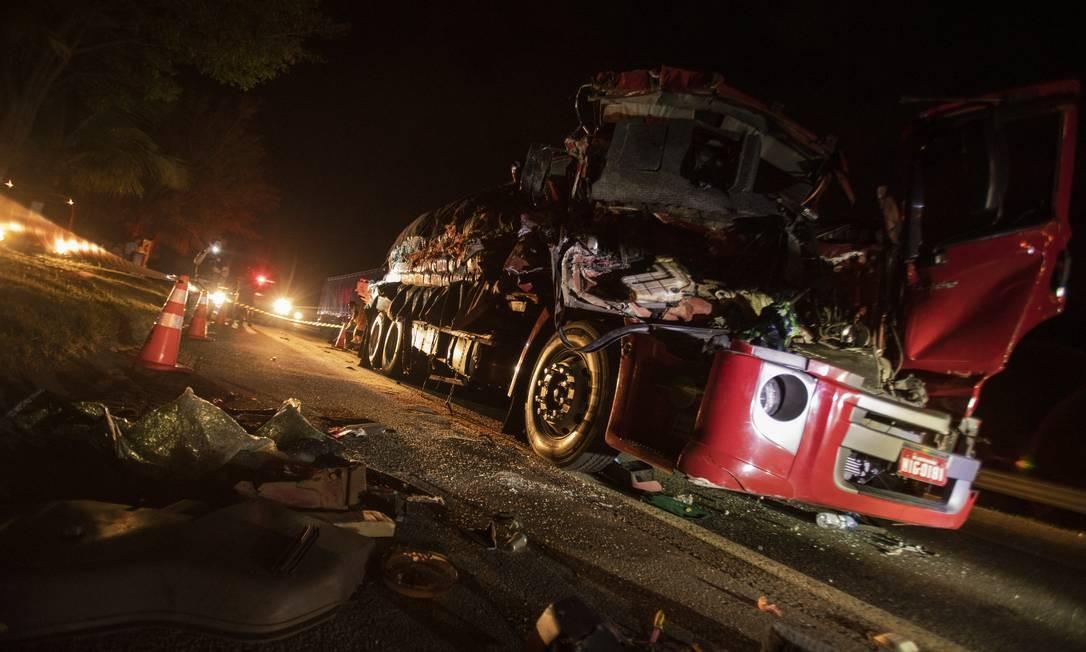 A cada 15 minutos, em média, uma morte é registrada nas ruas e estradas do país Foto: GABRIEL MONTEIRO / Agência O Globo