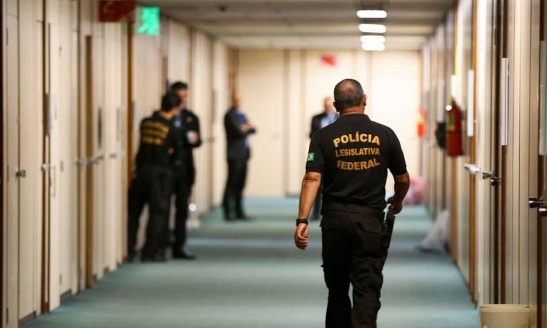 Polícia Legislativa em corredores da Câmara Foto: Marcelo Camargo/Agência Brasil