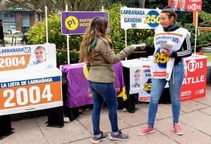 Dada a partida. Campanha em Montevidéu para as primárias deste domingo, que definirão os candidatos à eleição presidencial de 27 de outubro Foto: MIGUEL ROJO / AFP