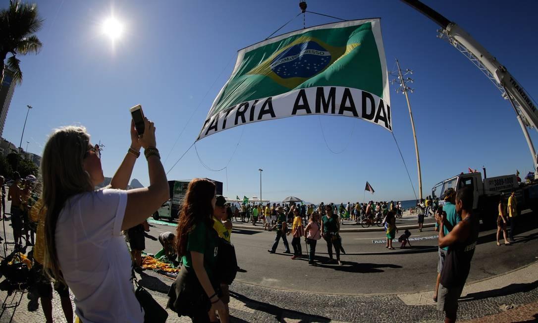 Manifestação põem à prova apoio a Moro e a pautas da gestão Bolsonaro. Ato convocado para este domingo em Copacabana quer exaltar ministro e defender reforma da previdência. Praia de Copacabana Foto: BRENNO CARVALHO / Agência O Globo