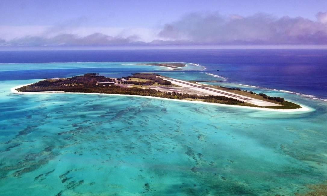 Papahānaumokuākea é um vasto e isolado conjunto de pequenas ilhas e atóis, e fica a aproximadamente 250 km ao noroeste do arquipélago havaiano, nos Estados Unidos. A área possui profunda significância em termos de cosmologia e tradição para a cultura dos nativos havaianos. Em duas ilhas, Nihoa e Makumanamana, há restos arqueológicos que apontam para o período pré-Europeu Foto: divulgação