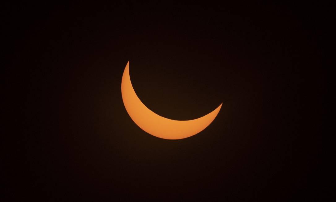 Eclipse solar visto do Observatório La Silla, em La Higuera, Região de Coquimbo, Chile Foto: MARTIN BERNETTI / AFP