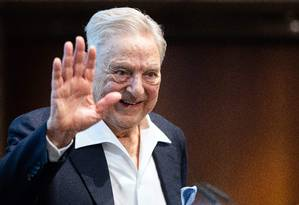 O bilionário George Soros durante evento em Viena, no dia 21 de junho. Visto como um financiador de iniciativas liberais, Soros investiu US$ 500 mil em um novo centro de estudos destinado a mudar a política externa americana. Charles Koch, um dos principais nomes do conservadorismo americano, também participa da iniciativa Foto: GEORG HOCHMUTH / AFP