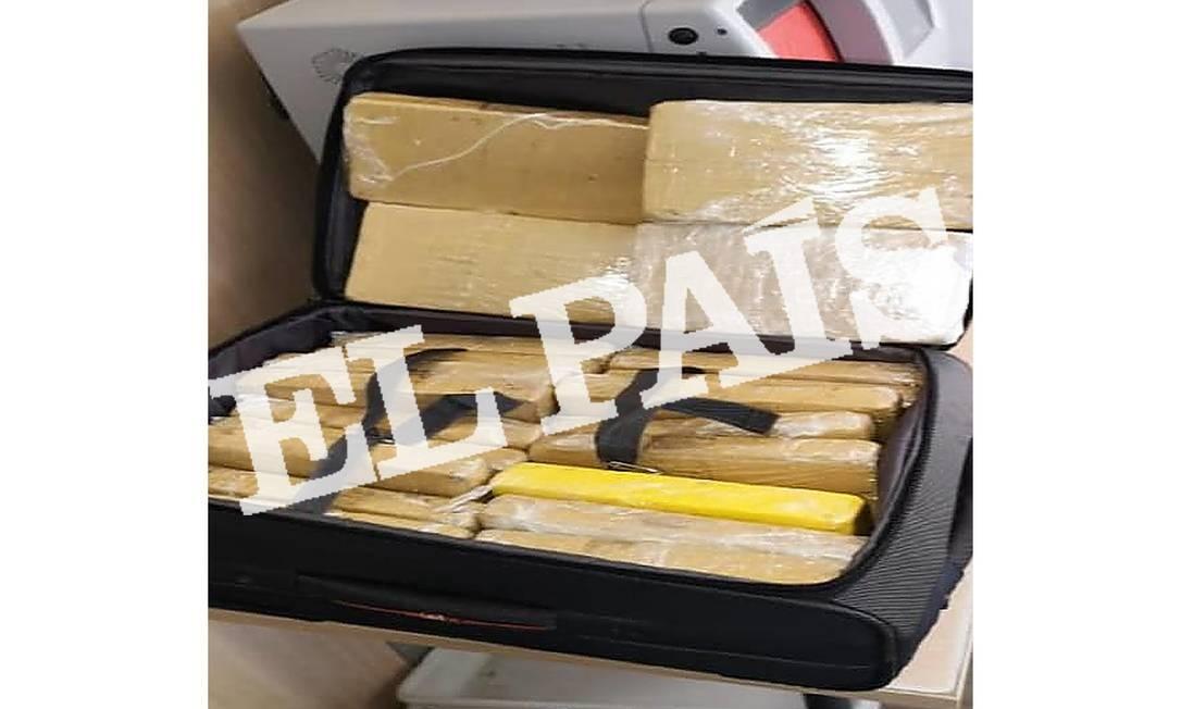 Foto mostra mala com 39 quilos de cocaína apreendidos em voo da FAB Foto: 02/07/2019 / El País