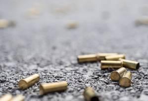 Cápsulas de balas na rua Foto: ra-photos / Getty Images/iStockphoto