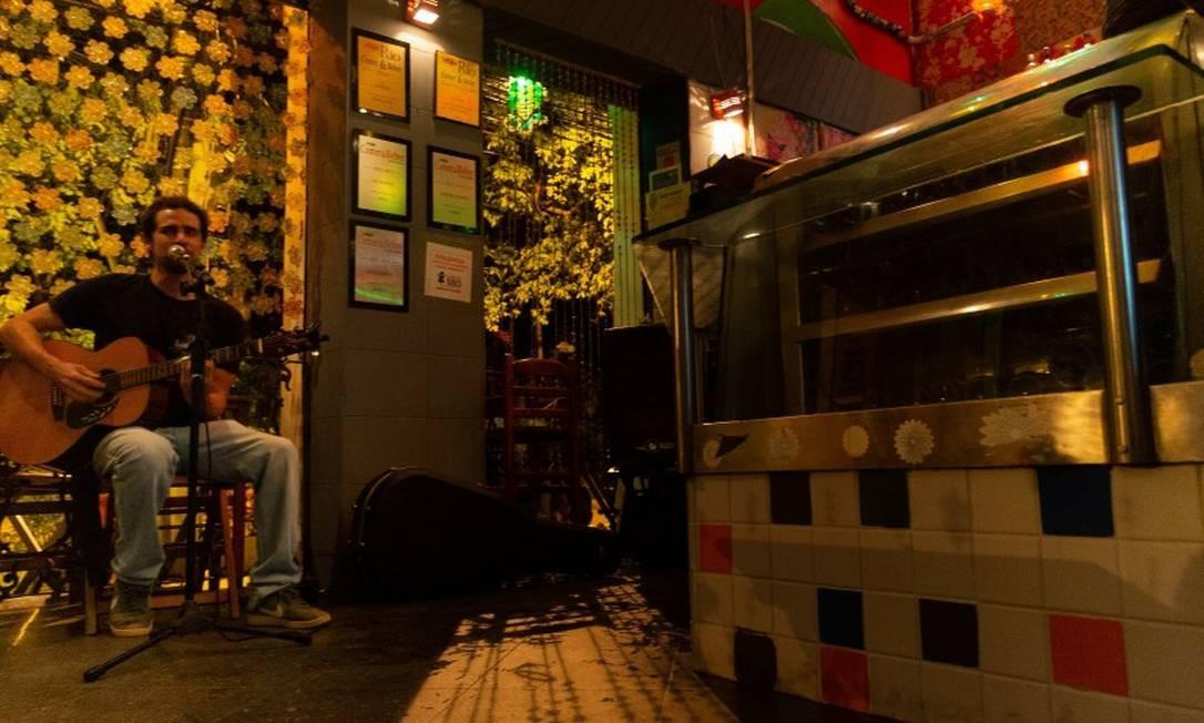Bar do Horto: música ao vivo e sopinha na caneca Foto: Roberto Moreyra / Agência O Globo
