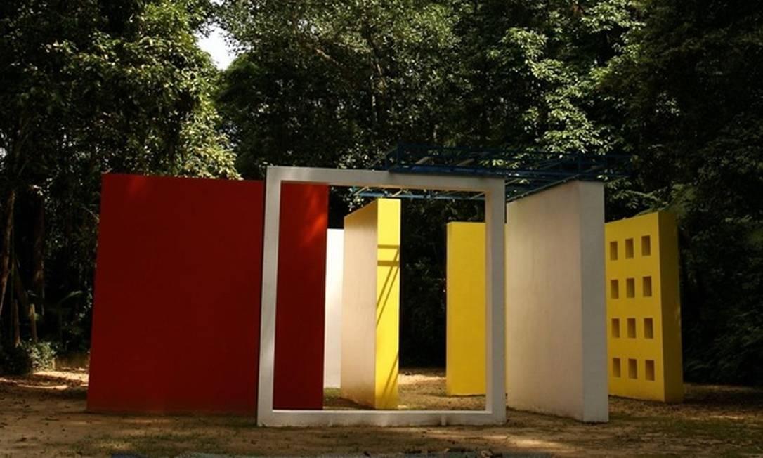Museu do Açude: penetrável de Hélio Oiticica é uma das atrações Foto: Monica Imbuzeiro