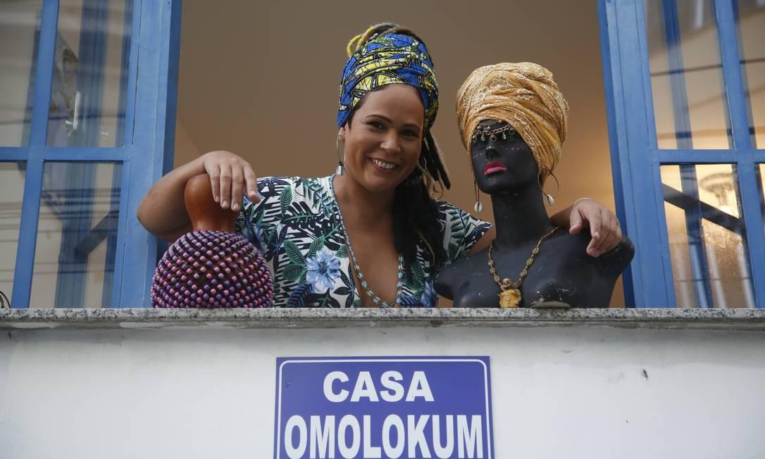 Leila Leão inaugurou a Casa Omolokum há três anos na Pedra do Sal Foto: Fábio Guimarães / Agência O Globo
