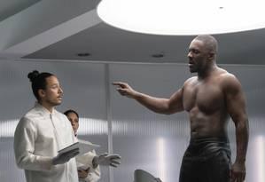 Idris Elba no papel de Brixton em Velozes & Furiosos: Hobbs & Shaw Foto: Daniel Smith / Cláudia Amorim