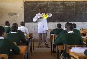 Peter Tabichi na escola Escola Secundária Keriko Mixed Day Foto: Liam Hall / Fundação Varkey