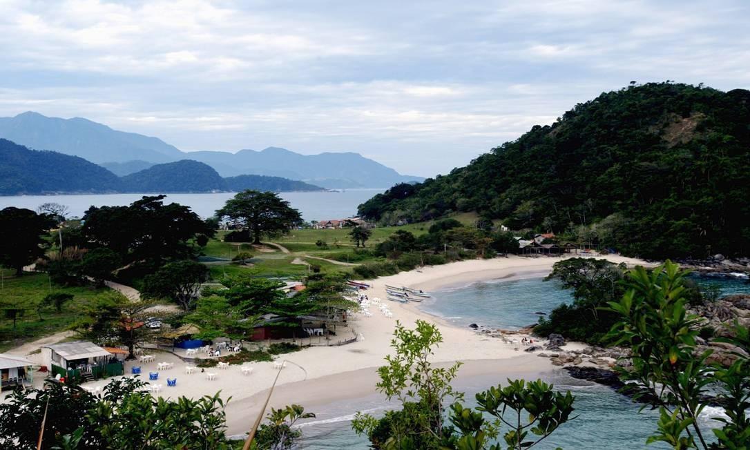 Perto de Paraty, a vila de Trindade tem praias paradisíacas Foto: Marcelo Carnaval / Agência O Globo