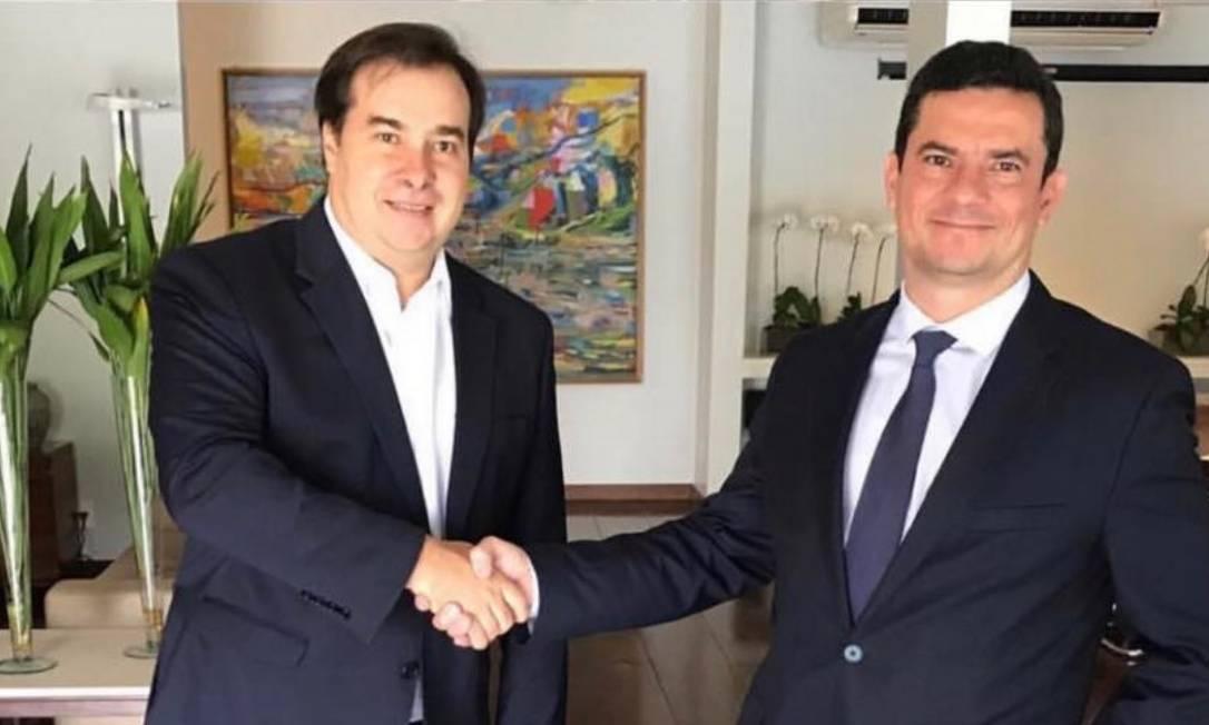 O presidente da Câmara, Rodrigo Maia, e o ministro da Justiça, Sergio Moro Foto: Reprodução do Facebook