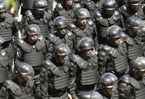 Policiais militares conseguiram manter na Comissão Especial regras de aposentadoria mais brandas Foto: Gabriel de Paiva / Agência O Globo