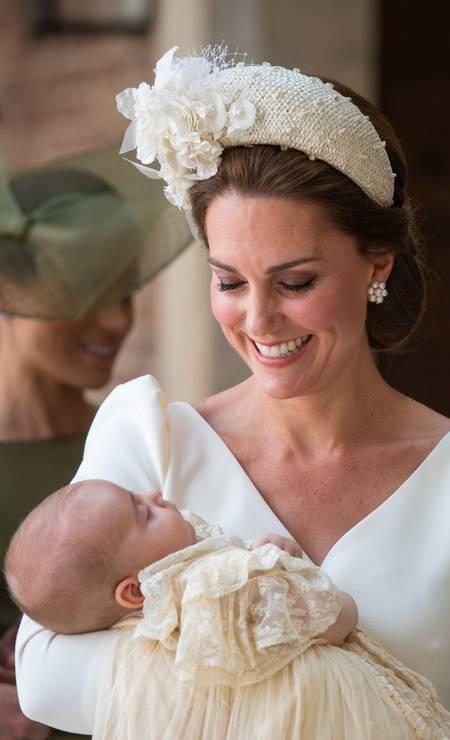 A mamãe Kate toda orgulhosa com o pequeno príncipe Louis Foto: POOL / REUTERS