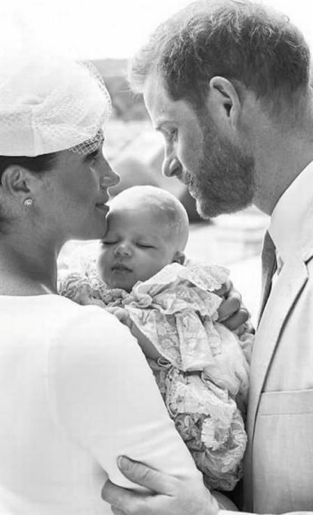 Archie, filho do príncipe Harry e Meghan Markle, foi batizado neste sábado, aos 2 meses. A cerimônia foi discreta, apenas para membros da família real e amigos próximos. Aqui, relembramos outros batizados reais que movimentaram o mundo Foto: Chris Allerton ©️SussexRoya