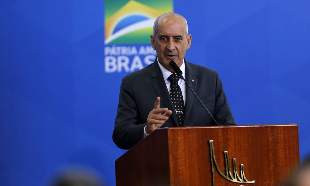 Novo ministro da Secretaria de Governo do Palácio do Planalto, Luiz Eduardo Ramos, tomou posse na última quinta-feira Foto: Jorge William / Agência O Globo