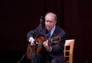 João Gilberto em uma de suas últimas apresentações no Carniege Hall, em Nova York, no ano de 2008 Foto: Jack Vartoogian/Getty Images / Getty Images