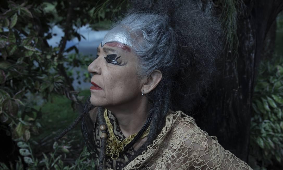 Alzira E em imagem do documentário 'Alzira E - Aquilo que eu nunca perdi', de Marina Thomé Foto: Marina Thomé / Divulgação