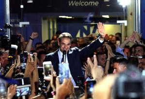 Líder da Nova Democracia, Kyriakos Mitsotakis celebra vitória eleitoral em Atenas Foto: ALKIS KONSTANTINIDIS / REUTERS