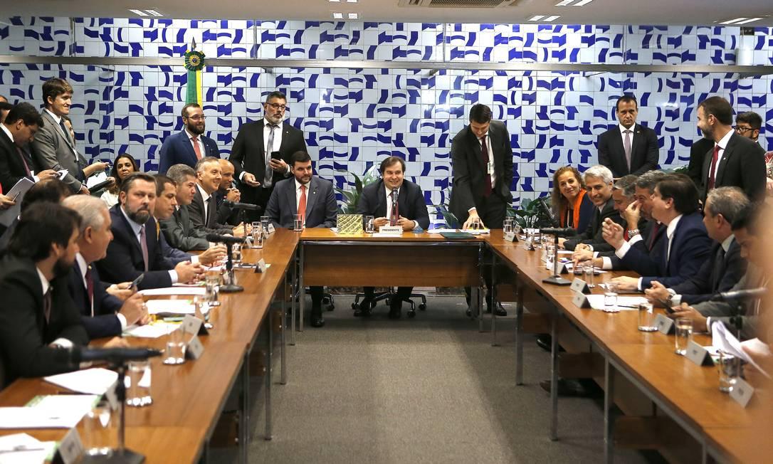 O presidente da Câmara, Rodrigo Maia, se reuniu com lideranças dos partidos políticos para fechar a estratégia de votação da reforma da Previdência Foto: Jorge William / Agência O Globo