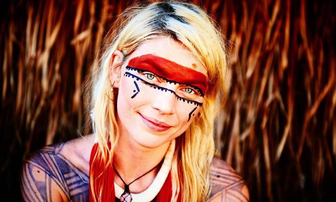 Aline Weber no Xingu Foto: Reprodução