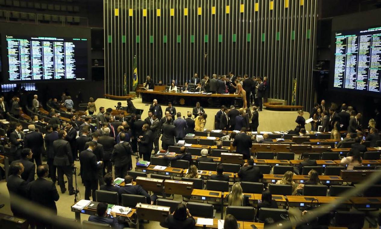 Plenário da Câmara discute texto da reforma da Previdência Foto: Jorge William / Agência O Globo