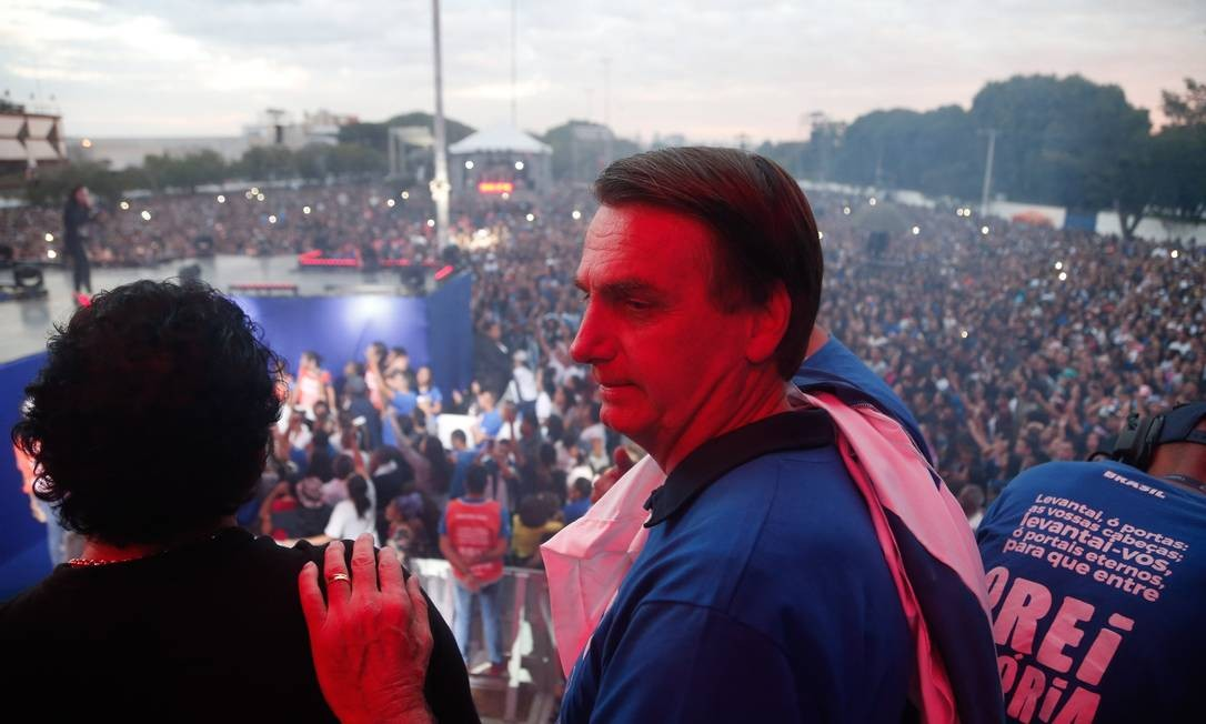 Bolsonaro esteve presente na Marcha Para Jesus em maio de 2018, na praça Campo de Bagatelle Foto: Marcos Alves / Agência O Globo