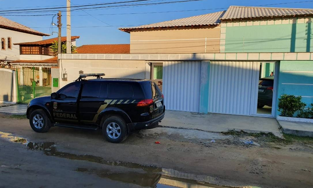 Uma equipe da PF em Araruama Foto: Polícia Federal / Divulgação