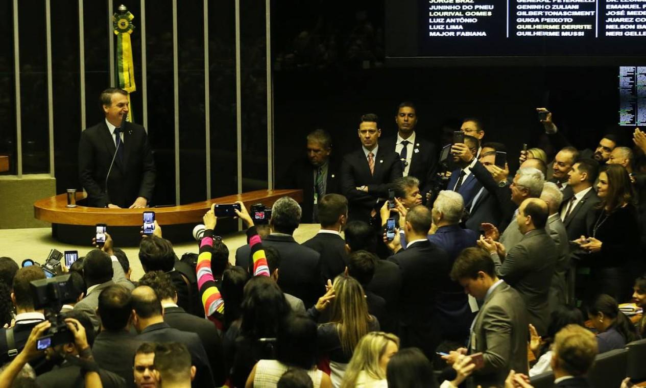 Presidente Jair Bolsonaro participa de sessão solene em homenagem aos 42 anos da Igreja Universal do Reino de Deus, no plenário da Câmara dos Deputados Foto: Jorge William / Agência O Globo
