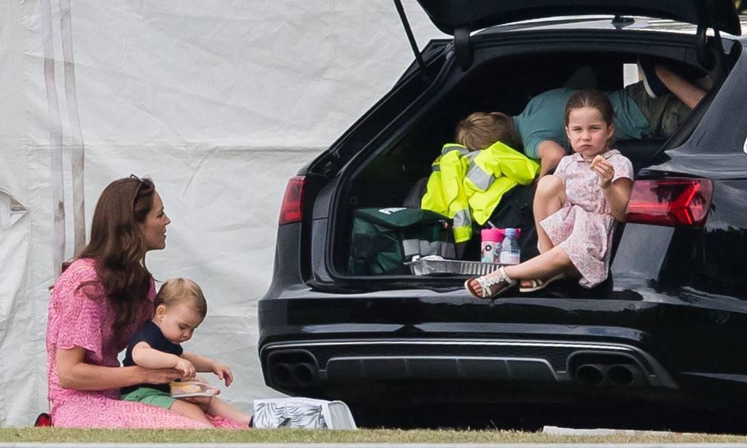 A criançada adorou brincar no porta-malas do carro Foto: Samir Hussein / Samir Hussein/WireImage