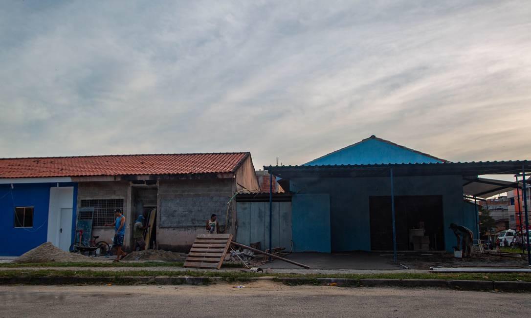 Moradores afirmam que a milícia está construindo na comunidade César Maia Foto: Gabriela Fittipaldi / Agência O Globo