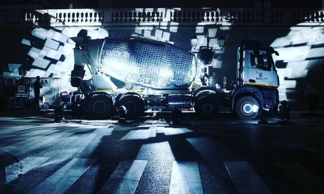 Caminhão betoneira foi tranformado em discoteca Foto: Reprodução / Instagram