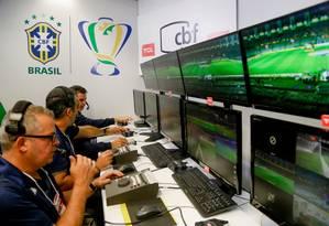 VAR foi implementado em 2019 no Brasileirão Foto: CBF/Divulgação