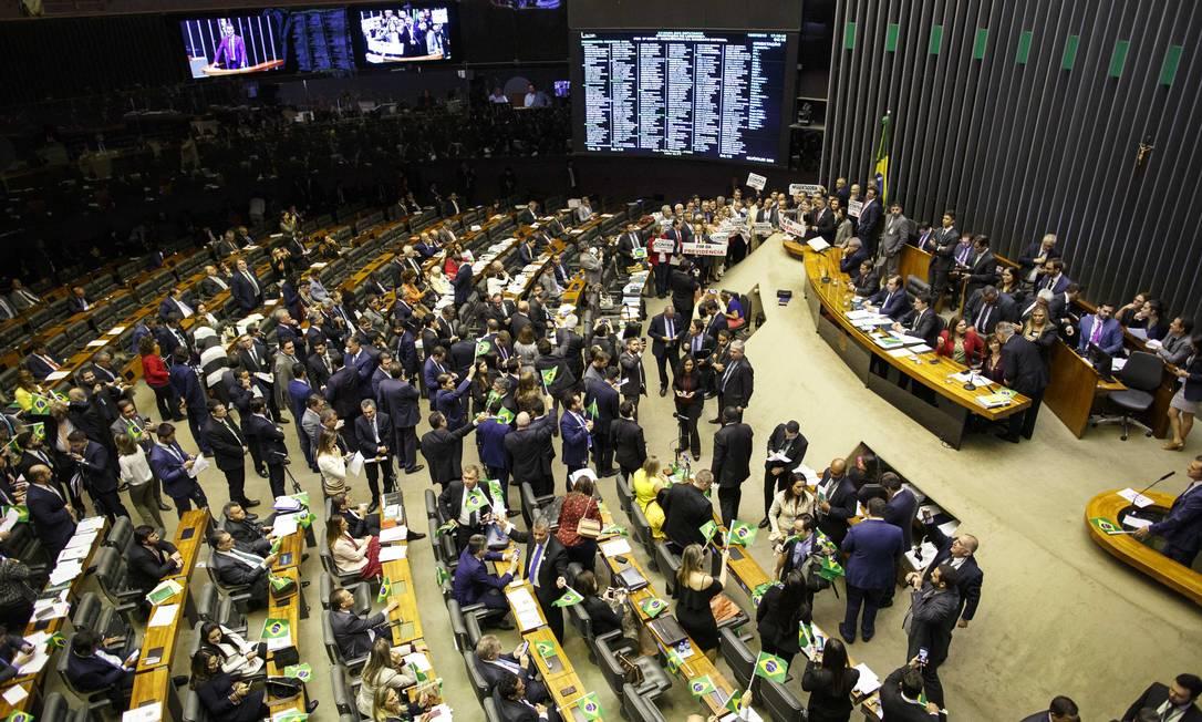 Plenário da Câmara inicia votação do texto-base da reforma da Previdência na noite desta quarta-feira (10) Foto: Daniel Marenco / Agência O Globo