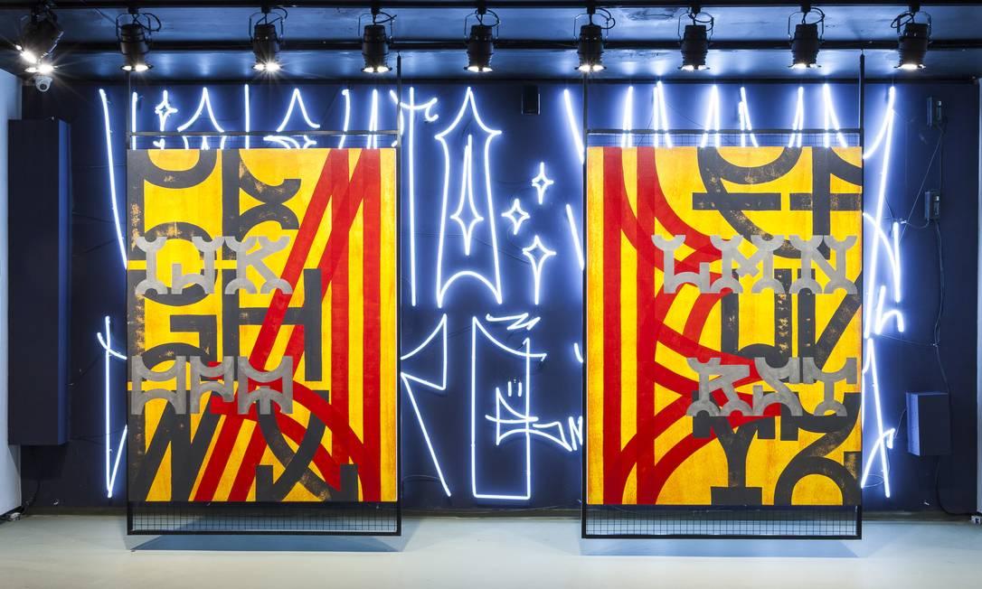 Pixo de Tony de Marco e de Alexandre Orion, parte da mostra Riscos e Rabicos, que mostra a história da tipografia na cidade de São Paulo Foto: Edson kumasaka / Divulgação