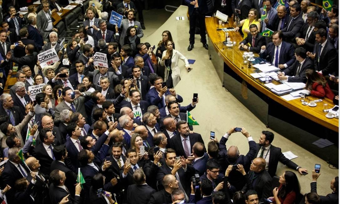 Plenário da Câmara dos Deputados, em Brasília, no momento do anúncio do resultado da votação do texto base da reforma da Previdência Foto: Daniel Marenco- Agência O Globo