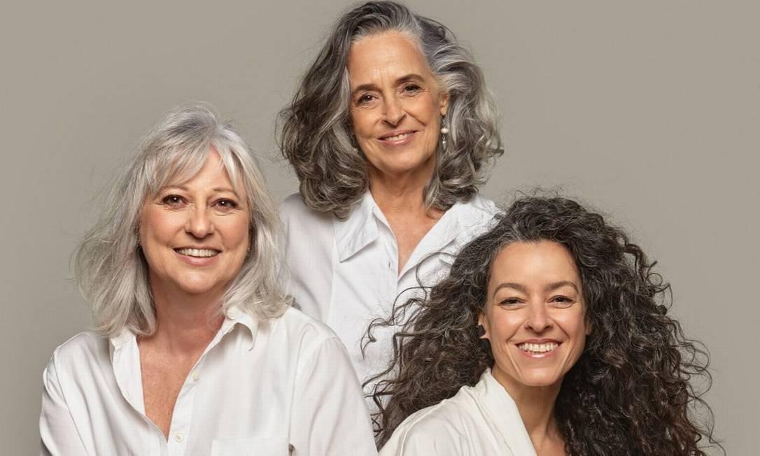 Da esquerda para a direita, Roberta Vairolatti, Regina Sá e Claudia Savelli Foto: Foto: Fabian Alvarez. Beleza: Vini Kilesse