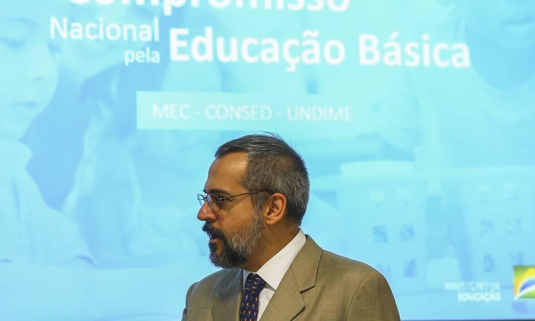 """O ministro da Educação, Abraham Weintraub, durante apresentação do """"Compromisso Nacional pela Educação Básica"""" Foto: Marcelo Camargo/Agência Brasil / Agência O Globo"""