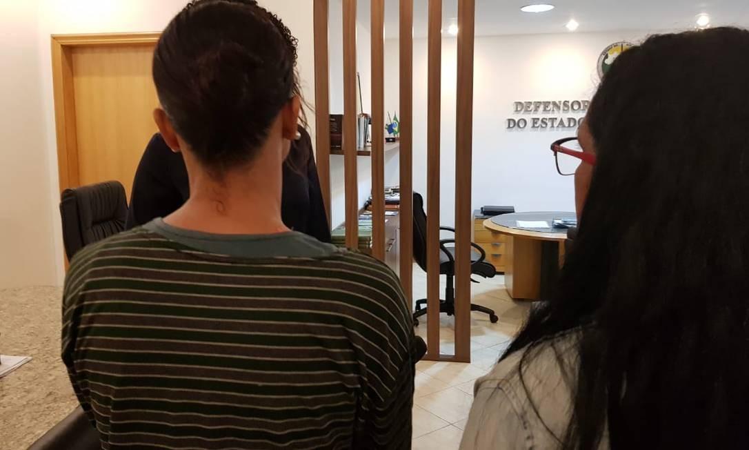 Mães dos jovens estão na Defensoria, onde se encontram com advogados e representantes da Supervia em busca de acerto por danos morais Foto: Felipe Grinberg
