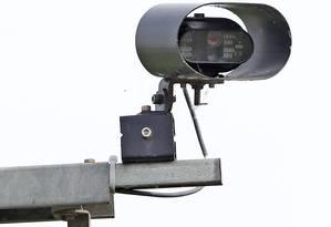 Uma câmera de ANPR, que lê placas de carro automaticamente Foto: Niall Carson - PA Images / PA Images via Getty Images