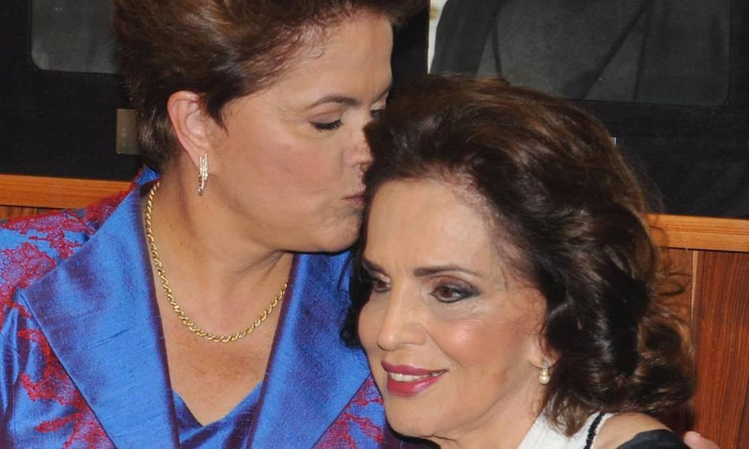 DilmaRousseff ao lado da mãe em homenagem compartilhada em rede social pelo Dia das Mães Foto: Imagem / Arquivo Pessoal