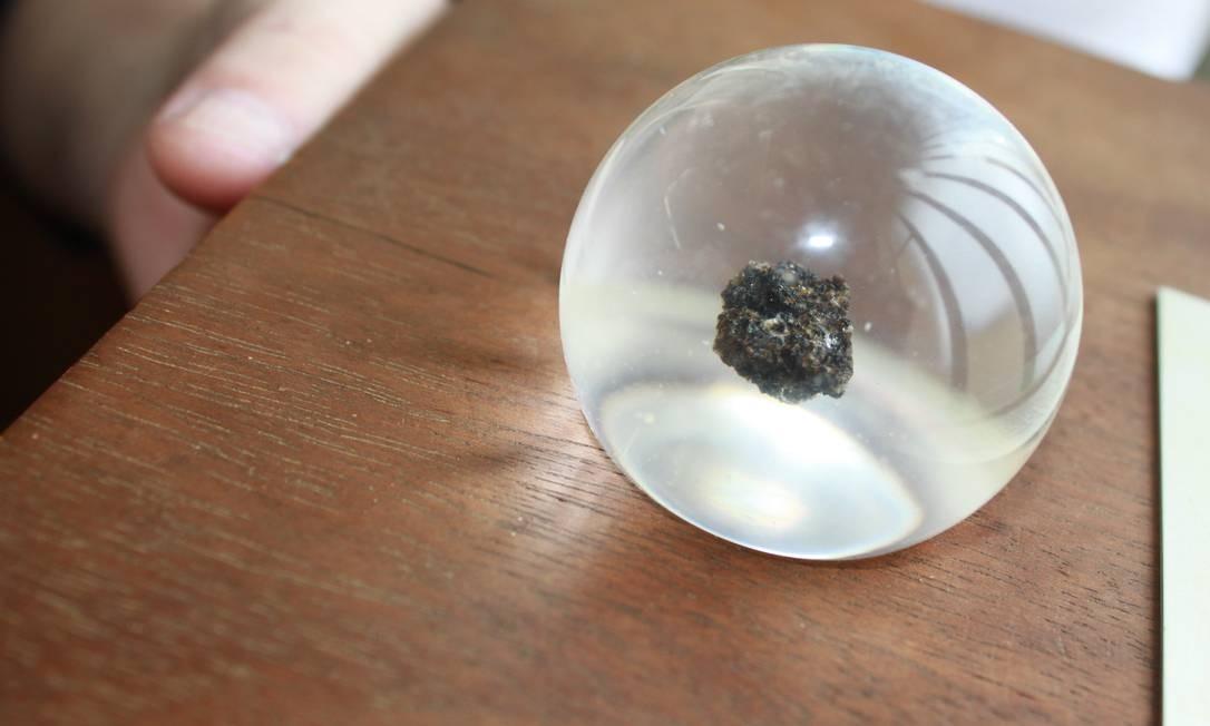 Raridade: fragmento de rocha da Lua trazido pela Apollo 17 e dado ao Brasil será exposto no RS Foto: Divulgação/Museu Dom Diogo de Souza